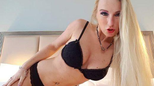 Scharfe Blondine im kostenlos Porno Chat