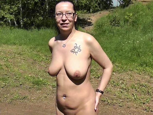Naturgeile Bi-Maus vor Free Live Sexcams